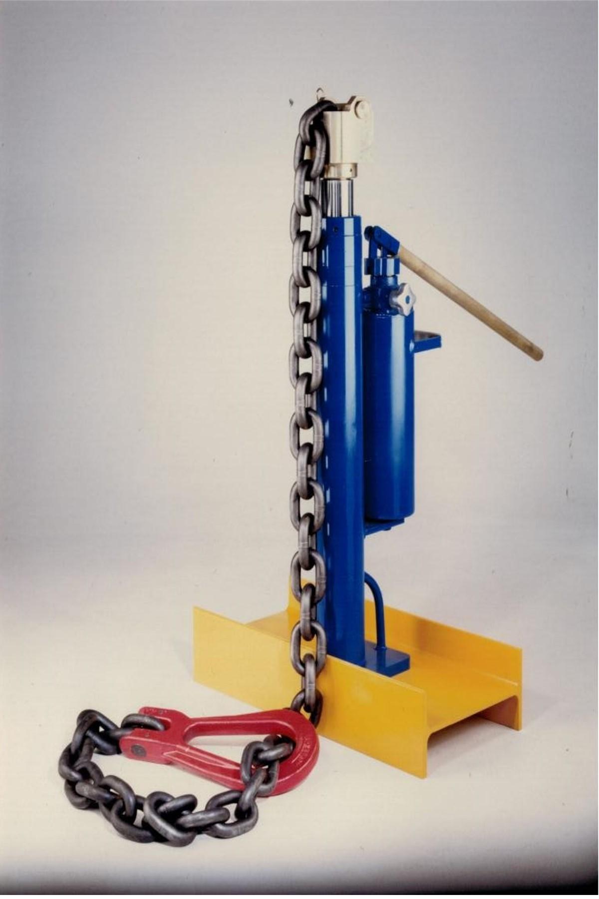 Prototype d'un arrache piquet (sur base de cric)